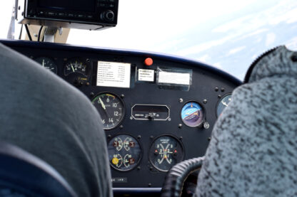 L-200 Morava Kokpit